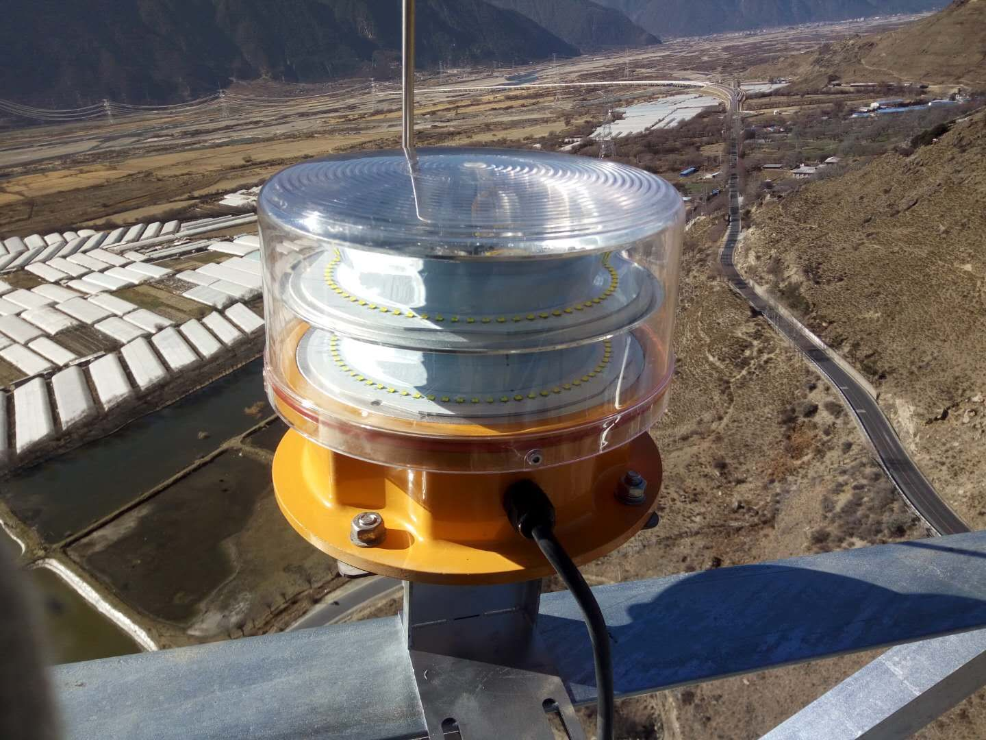 Type A White Flashing Medium Intensity Obstruction lights for electric Power Towers