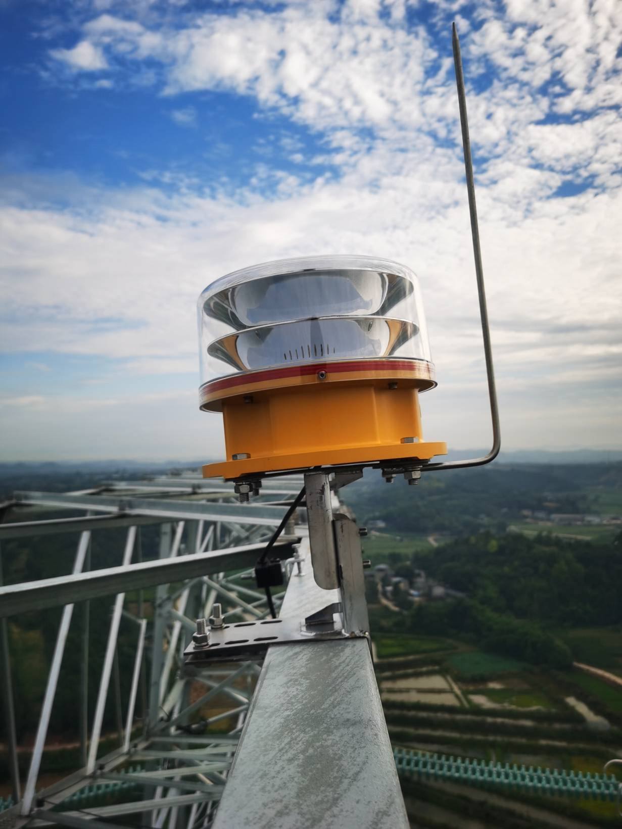 Sichuan Medium Intensity LED Aviation Obstruction Aircraft   Warning Light Project for 220KV Electrical Transmission Power Line